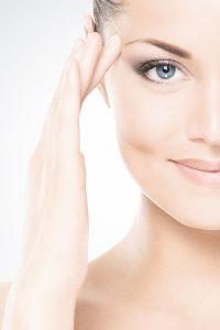 Faltentherapie - Martina Mayr-Brune. Schönheit und Jugend werden in unserer Gesellschaft meist mit Erfolg, Gesundheit und Glück gleichgesetzt.